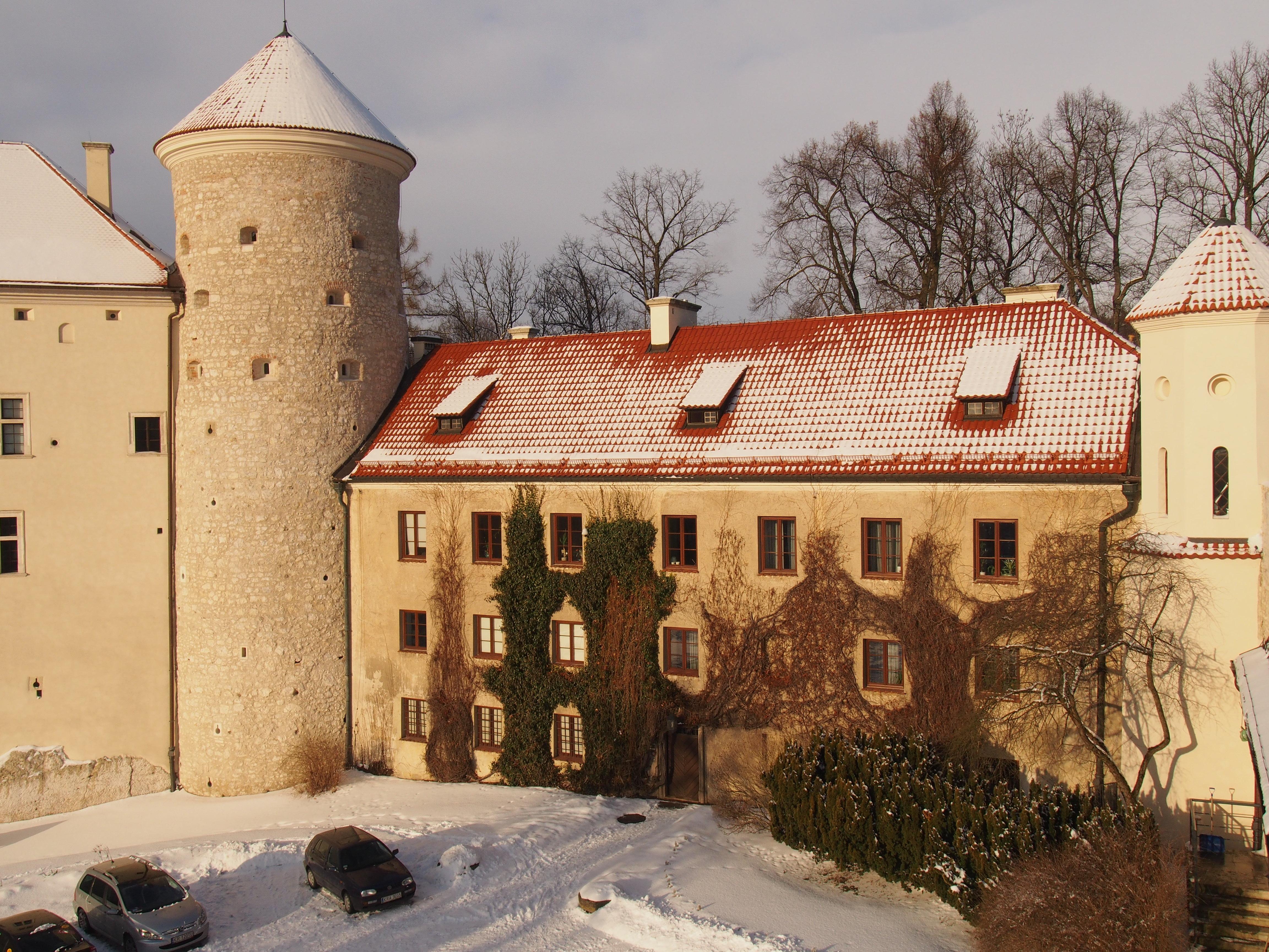 Budynek oficyny w zamku Pieskowa Skała