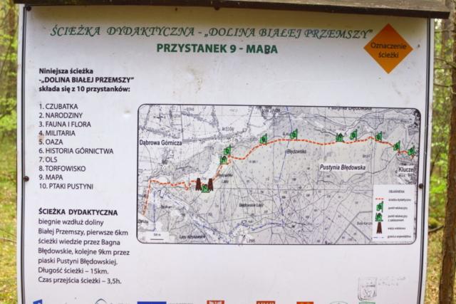 Tablica informacyjna z przebiegiem całej trasy